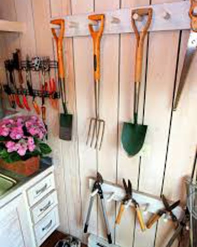 Exceptionnel Dowelling To Hang Garden Tools
